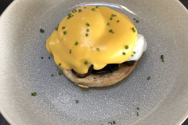 Eggs Ben with Sautéed Mushrooms